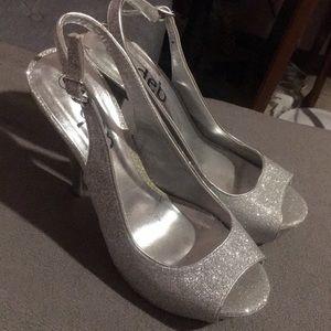 Size 8 DEB heels